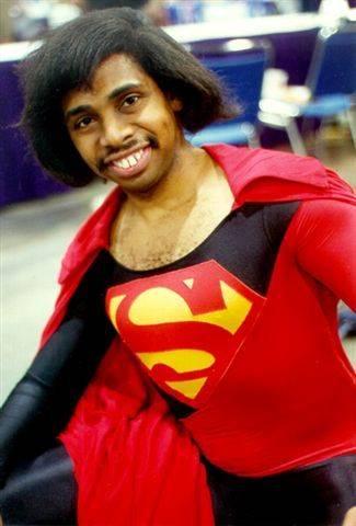 superman de las redes sociales